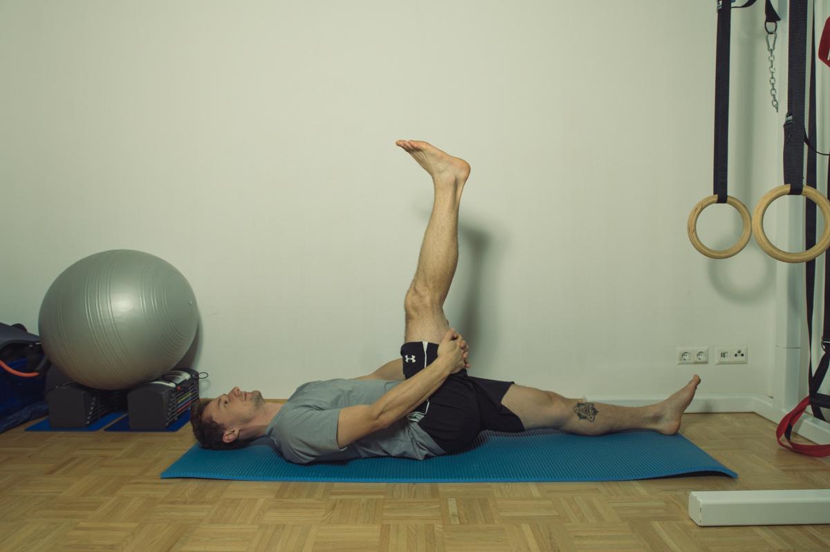 Dehnübung für die Muskulatur der hinteren Hüfte