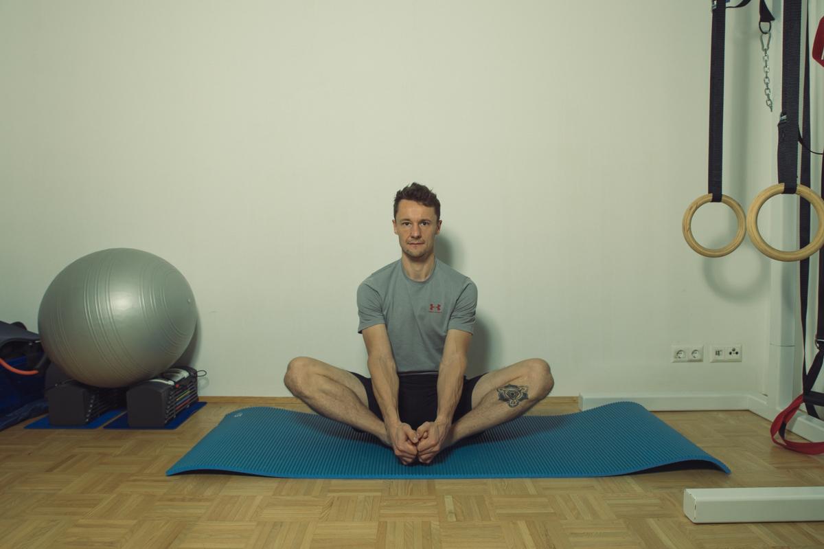 Dehnübung für die Muskulatur der inneren Hüfte 1